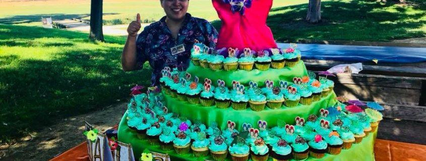 aloha themed cupcakes